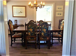ETHAN ALLEN ROYAL CHARTER OAK TRESTLE DINING ROOM TABLE 8 CHAIRS