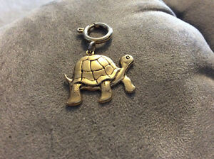 Turtle pendent