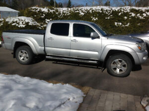 '09 Toyota Tacoma TRD sport, double cab, extended bed, low kms