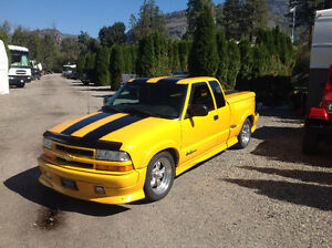 2002 Chevrolet S-10 Extreme Pickup Truck