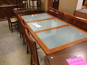 Red-Tone Table #HFHReStore Oakville / Halton Region Toronto (GTA) image 1