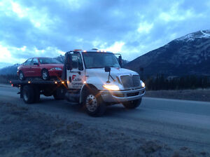 Towing long distance BC to Alberta 403-630-4052. 24/7