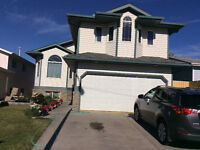 For sale ,2000 sqft bi level house with $1500 rental income