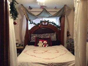 Four poster solid wood bed