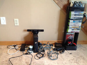 Xbox 360+16 Games+4 Controllers+Kinect Sensor