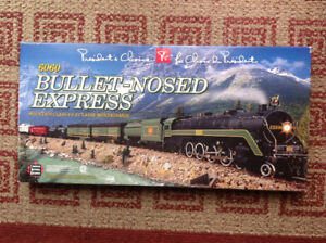 Train Set New Presidents Choix 6060 Bullet Nosed Express HO