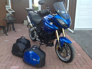 07 Triumph Tiger 1050 With saddle and top box!