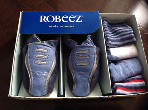 ROBEEZ SOFT SOLES BABY BOY MADE TO MATCH SET - SIZE 6-12 MONTHS