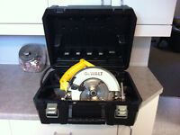 Like new Dewalt Circular saw