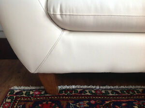 Couch, sofa, with ottoman, cream colour like new West Island Greater Montréal image 3