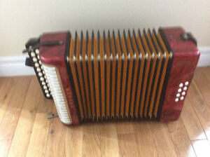 Hohner Erica button accordion, AD. St. John's Newfoundland image 7
