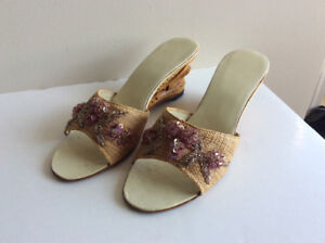 Vintage: 1950's/60's Straw Slipper with Carved Wood Heels