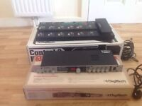 Guitar effects rack with pedalboard