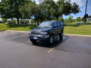 Toyota 4runner for body repair and excellent parts