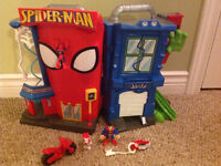 Playskool Heros Electronic Spider-Man Stunt City