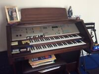 Digital organ for sale £800 or near offer