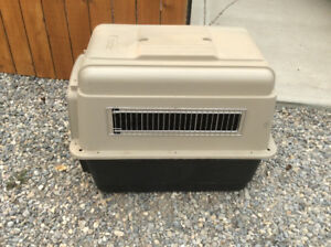 Petmate dog kennel