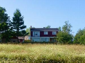 Chambres à louer (5) et maison à louer à Paspébiac, Gaspésie