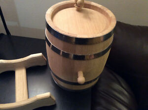 Hand made true oak barrels, top quality