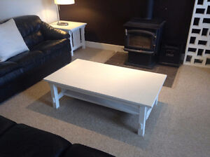 coffee and 2 end tables