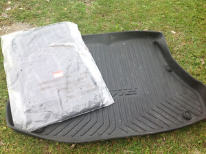 13 Honda Civic winter tech flr mats and custom floor trunk cover