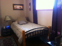 ALL INCLUSIVE - FURNISHED - Bright Room, Shared House, JULY 1