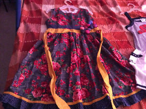 Girls beautiful party dresses 7-9 years old London Ontario image 7