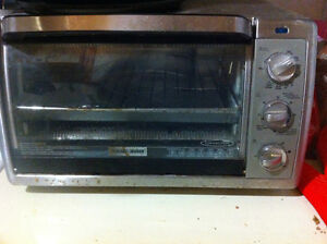 FOUR BLACK and DECKER OVEN