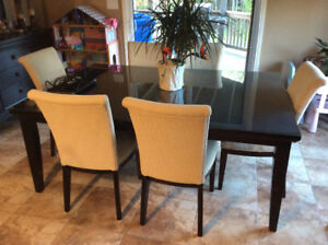 Beautiful Dining Room Set Table And Hutch
