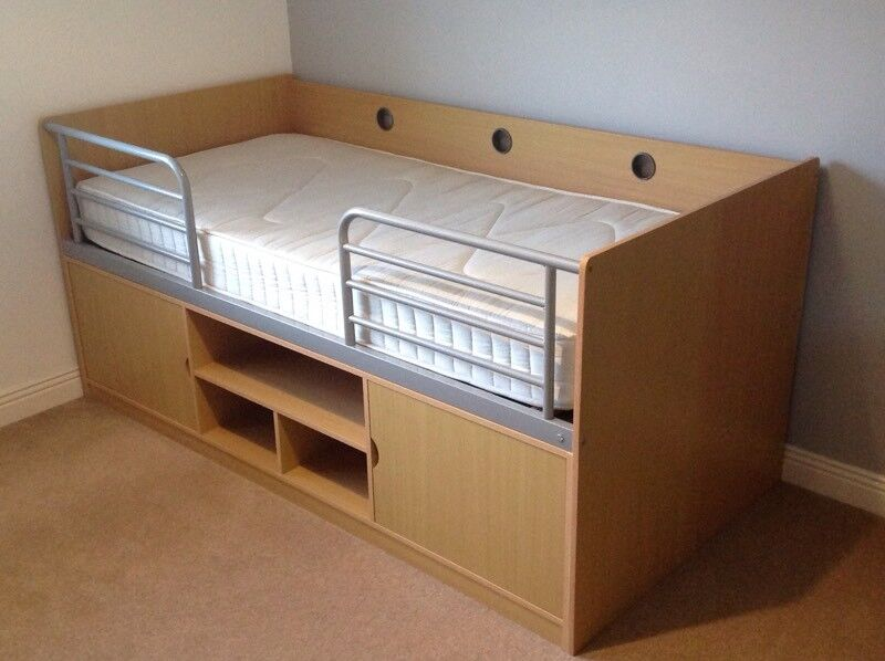 Cabin Bed in Beech with Single Mattress