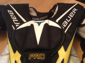Goalie Bauer Pro MaxSorb chest-arm protector