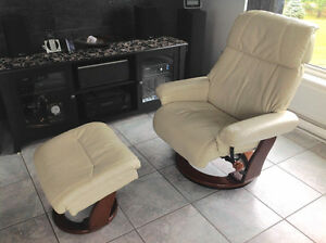 Reclining chair with otterman