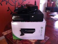 xbox 360E 4GB console modifier glitchée+320GB