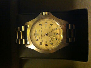 HAMILTON KHAKI MINT CONDITION. **PRICE DROP**