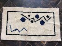 Latchhook Knotted Pile Handmade Rug Carpet