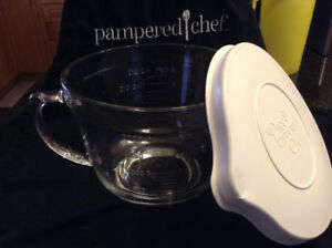 Pampered Chef CLASSIC BATTER BOWL ( two available)