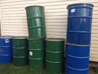 METAL BARRELS WITH LIDS AND RINGS