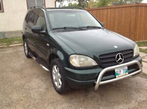 2000 Mercedes-Benz M-Class ML430 SUV, Crossover