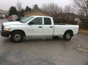 2006 Dodge Ram 1500 crew 4.7 v8 8' box 300 km no MVI $1500.00