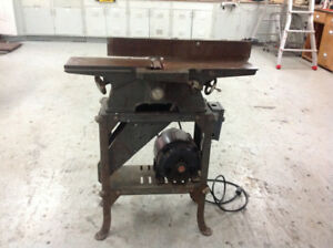 ANTIQUE WOOD JOINTER