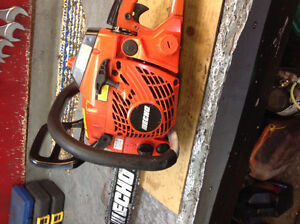 CS400 Echo Chainsaw with 18 inch bar and chain in excellent shap