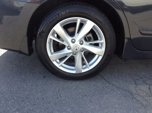 OEM TPMS / 2015 Nissan Altima alloys / 215 55 17 tires in stock
