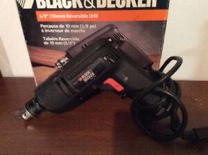 Perceuse électrique réversible Black & Decker