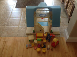 Little Tikes vintage doll house