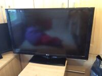 Good conditioned TV only had for one year! Good to go now!!