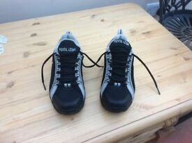 MOUNTAIN BIKE CYCLING SHOES SIZE UK4