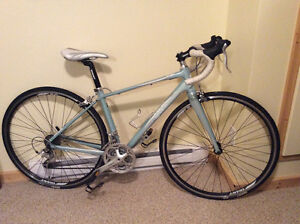 2012 Giant Avail Women's Roadbike-XS Mint Condition