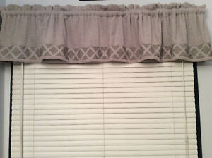 Shower curtain, grey and more Windsor Region Ontario image 2