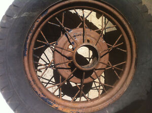 1930 Model A Rim / Goodrich Silvertown - 4.75 x 5.00 x19 - 96%