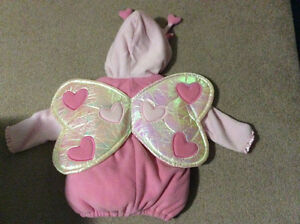 Brand-new old navy love bug costume size 2T/3T Sarnia Sarnia Area image 2